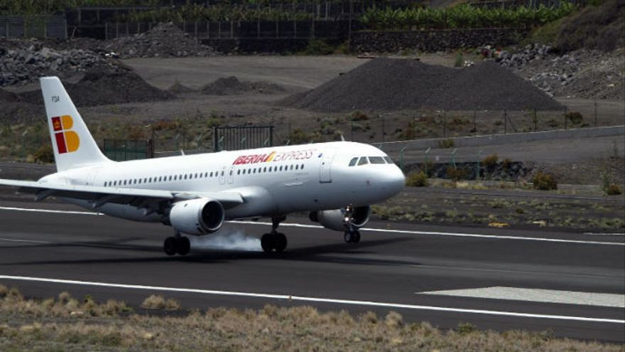 Iberia express duplica su oferta con Canarias