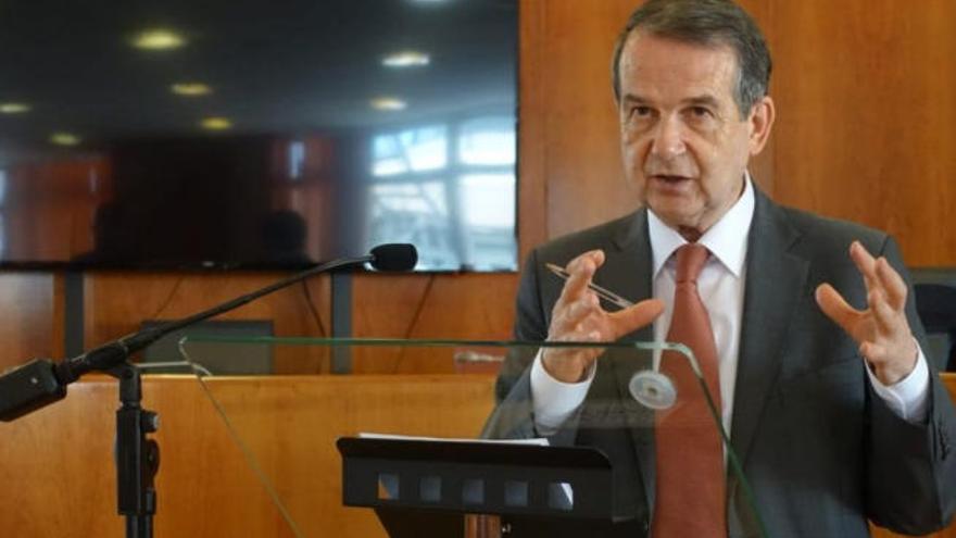 En jaque el acuerdo para ceder a Hacienda el superávit de los municipios