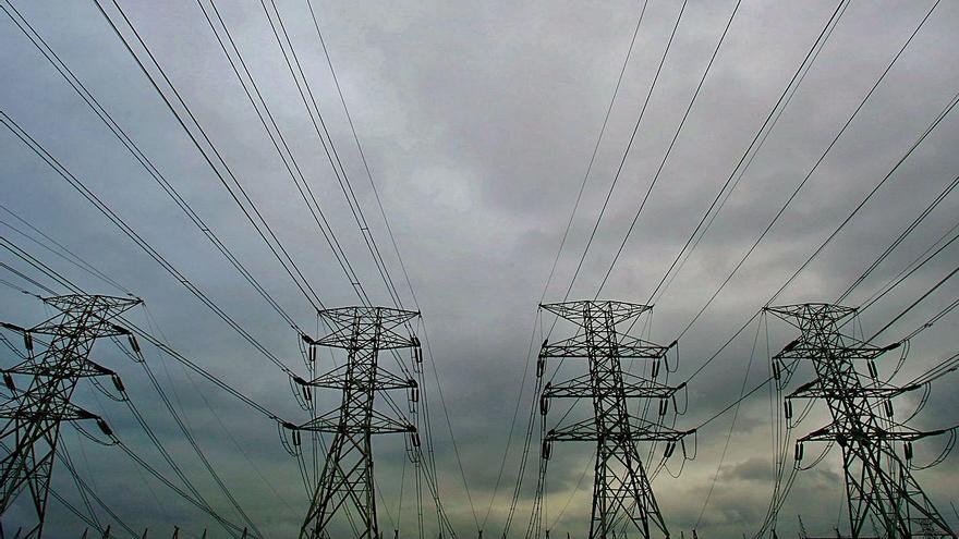 El Govern quiere saber qué eléctricas han inflado los precios para expedientarlas