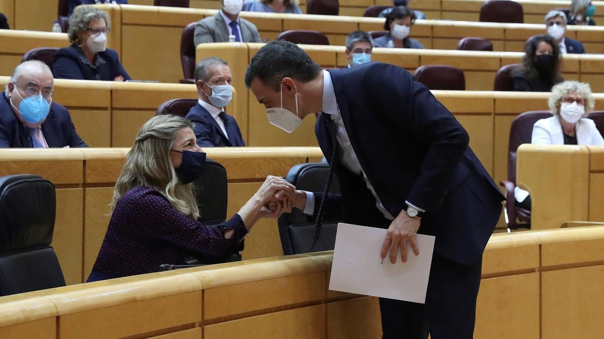 El PSOE y Podemos suavizan sus encontronazos en el Gobierno.