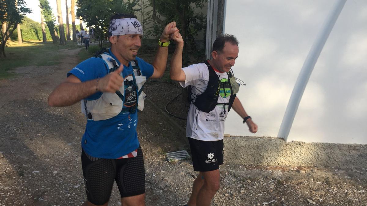 Fernando Latorre y Alejandro Castarlenas llegan emocionados al final de su reto.