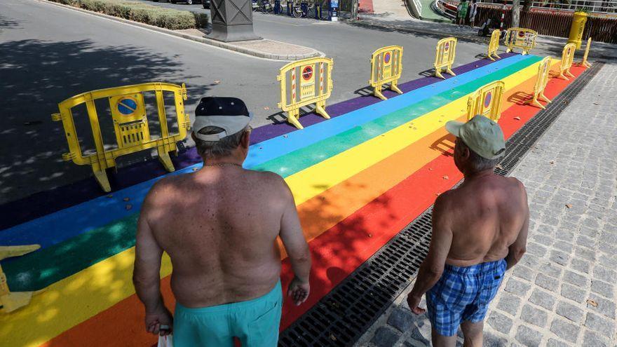 Arte urbano, charlas y concursos en redes sociales para conmemorar el Orgullo en Benidorm