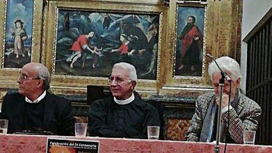 Participantes en el debate celebrado en el San José.