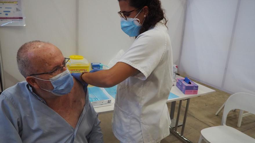 Salut comença a posar les dosis addicionals a la Regió Sanitària de Girona