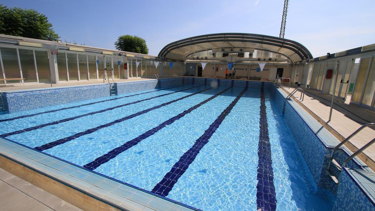 La piscina climatizada de Xeraco, donde ayer murió un bombero de Gandia de 39 años mientras practicaba apnea.