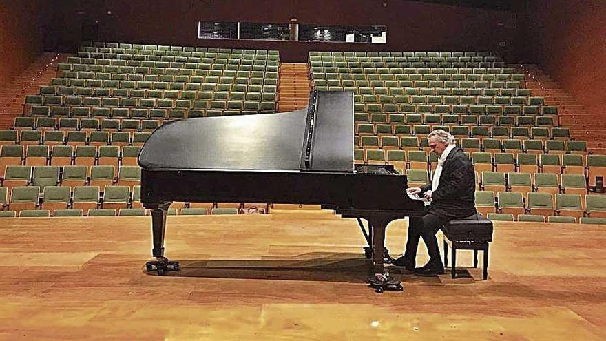 El pianista Biel Durán rinde homenaje al gran Paco de Lucía en el Trui Teatre