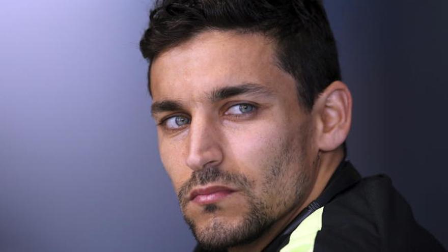 Jesús Navas vuelve al Sevilla para cuatro temporadas
