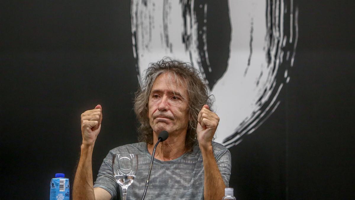 El cantante Robe Iniesta.