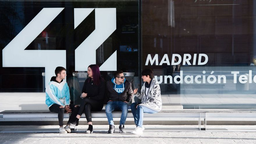 Descubre 42 Madrid, una experiencia que te cambiará la vida y el futuro profesional