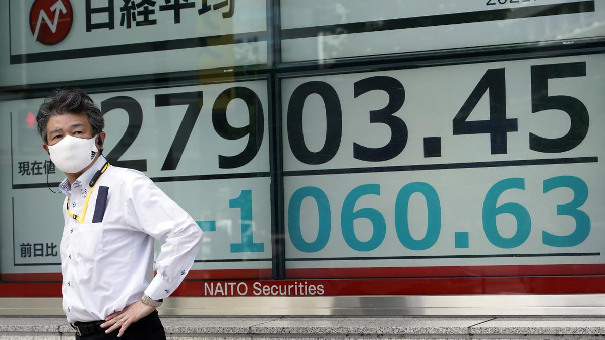 El récord de casos diarios de covid-19 en Tokio hace caer al Nikkei un 1,39 %