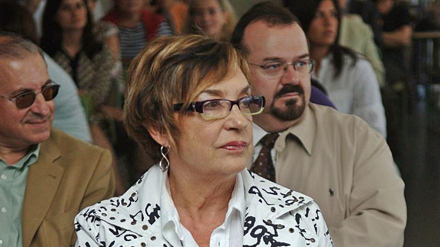 El instituto Calvo Sotelo pasará a denominarse Rosalía Mera