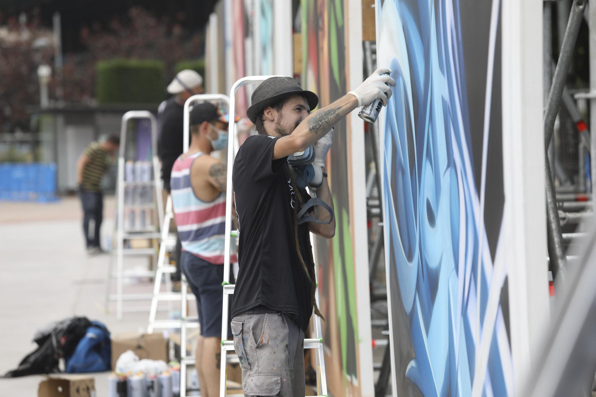 Los mejores grafiteros españoles del momento pulverizan su arte en Avilés