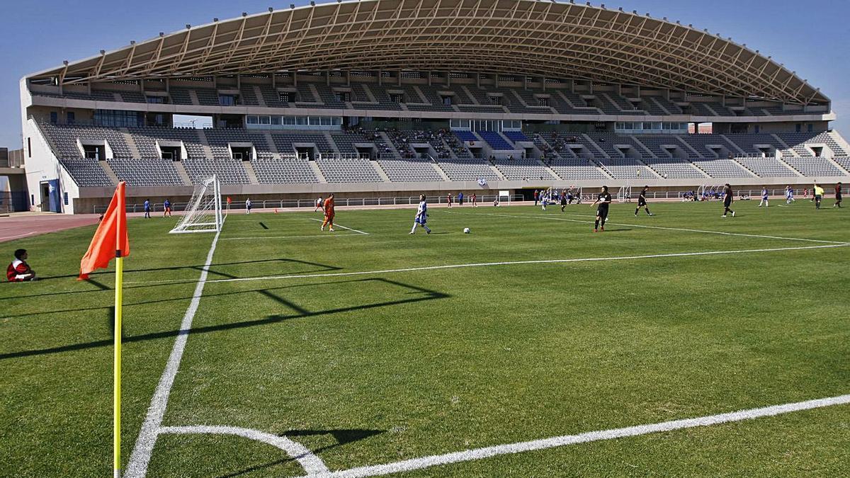 Imagen del estadio de atletismo Ciudad de Málaga, que entra en este proyecto. | L.O.