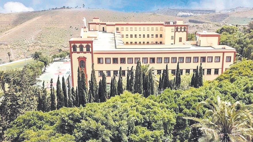 El Colegio Sagrado Corazón de Tafira rodeado de espacios naturales destinados a Aulas en la Naturaleza.