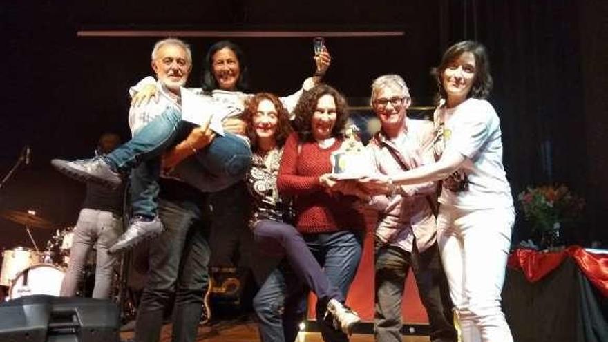 """El grupo de teatro """"La Peseta"""", premiado en el festival de Carrizo"""