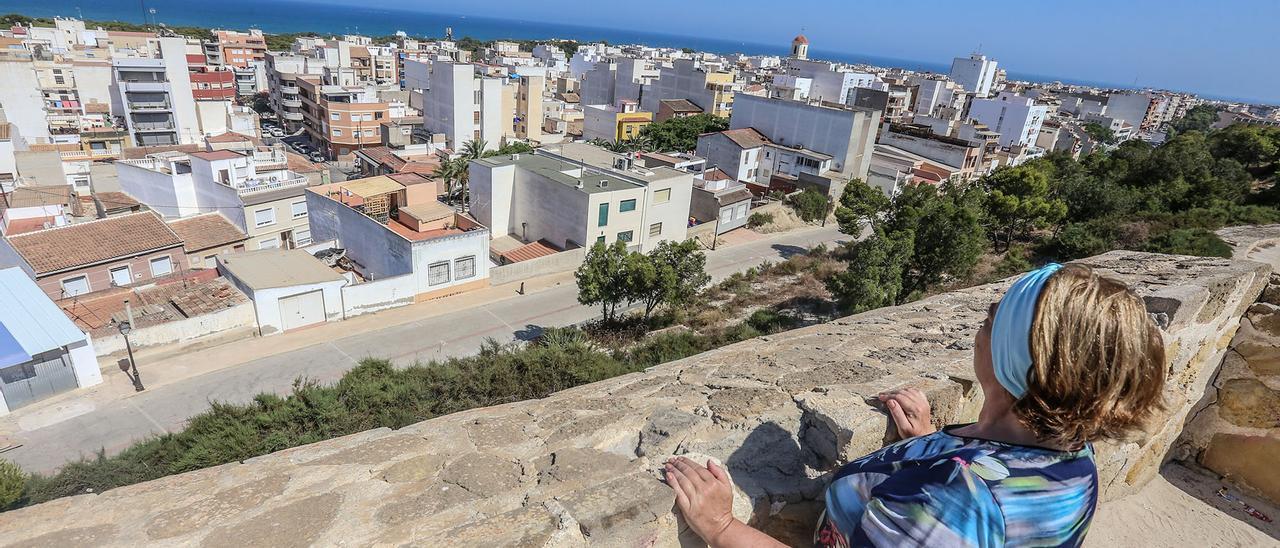 Vistas del casco urbano de Guardamar desde el castillo en una imagen de archivo