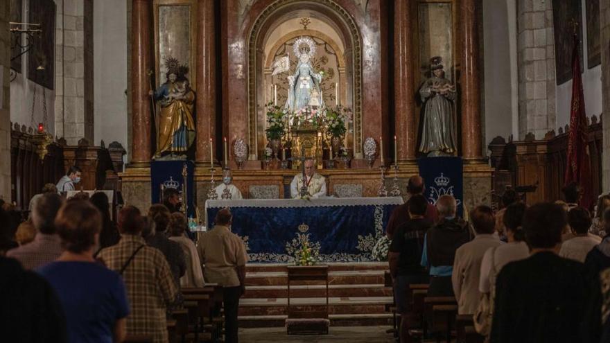 La Cofradía de la Concha de Zamora celebra la misa de la Concepción este martes