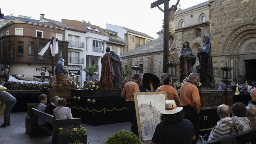 Semana Santa en Zamora: Magna Procesión del Santo Entierro en Benavente
