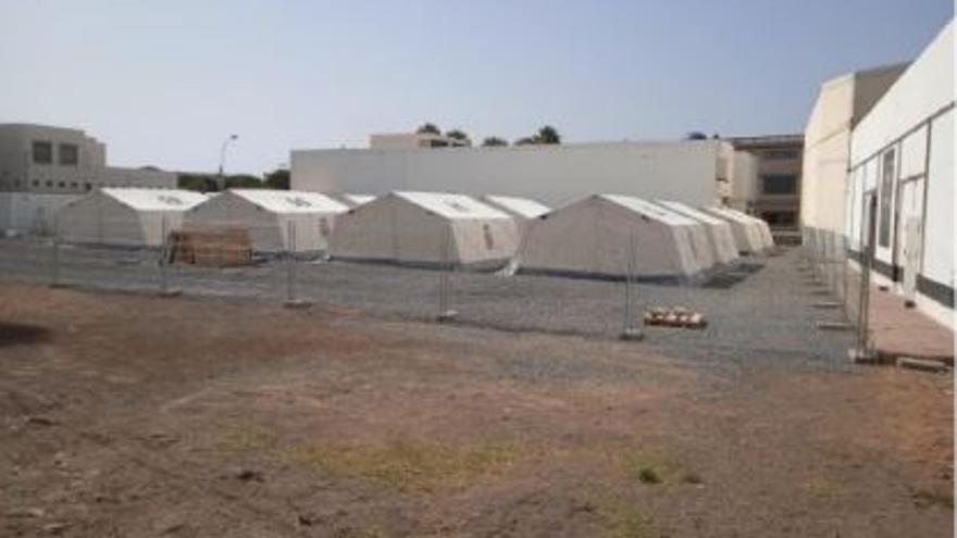 Arrecife advierte con precintar el campamento de inmigrantes si Interior no legaliza la instalación en un plazo de diez días