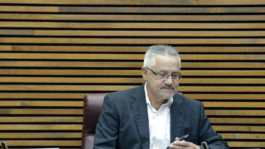 Bronca en la comparecencia de Miquel Domínguez en la comisión sobre Feria Valencia