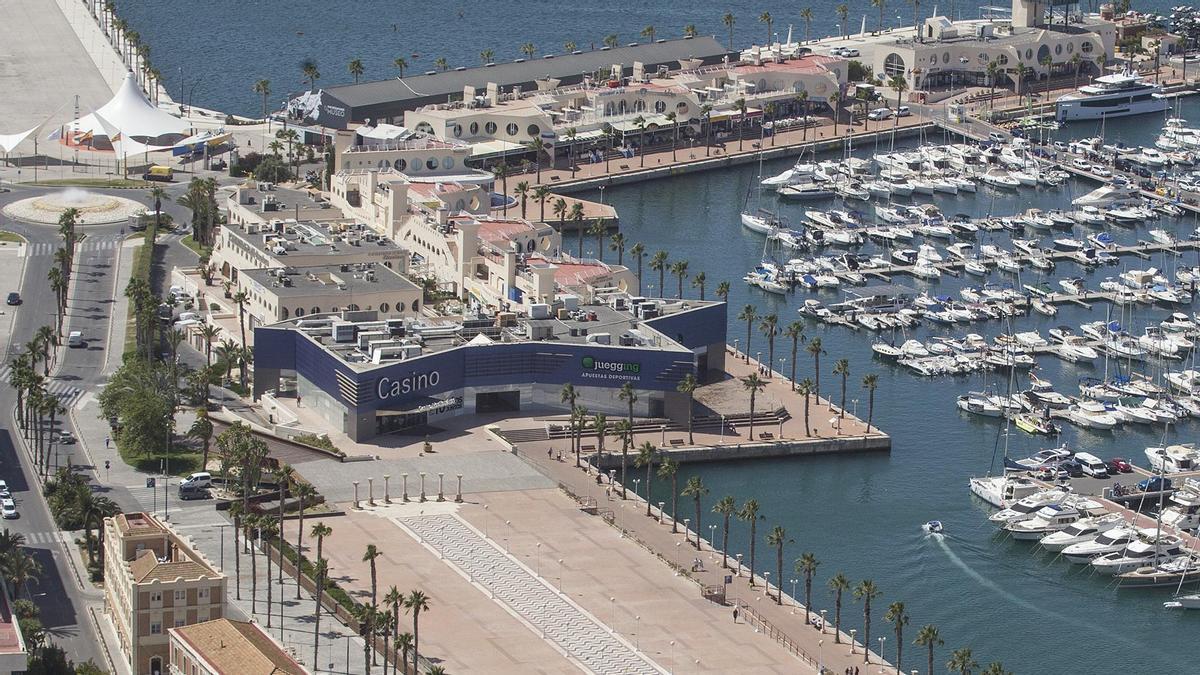 Imagen archivo de la zona de ocio del Puerto de Alicante