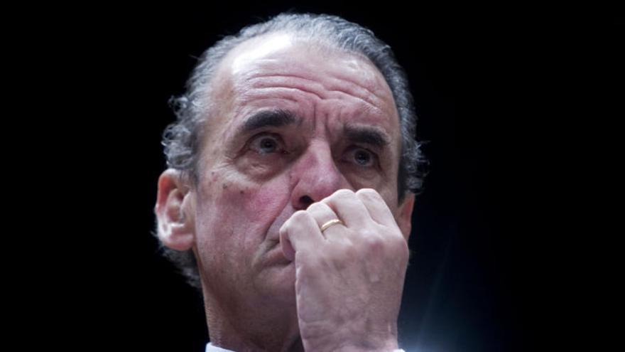 Retiran el doctorado honoris causa a Mario Conde