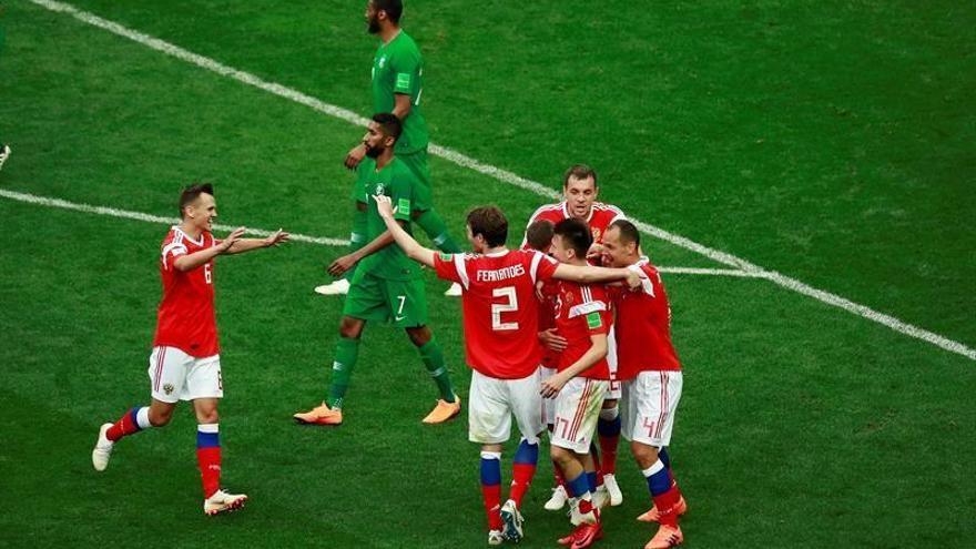 Golovin y Cheryshev devuelven la ilusión a Rusia ante Arabia Saudí (5-0)