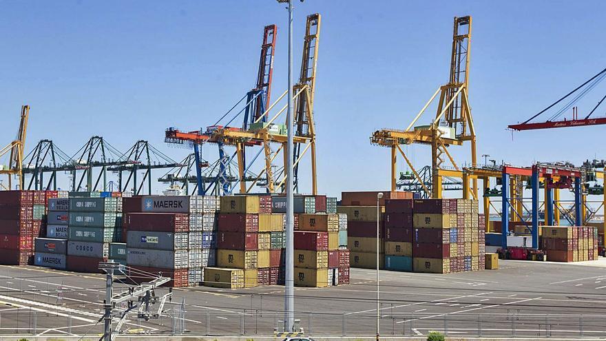 Cosco mantiene su negocio en el Puerto pese a la covid pero gana un 43 % menos