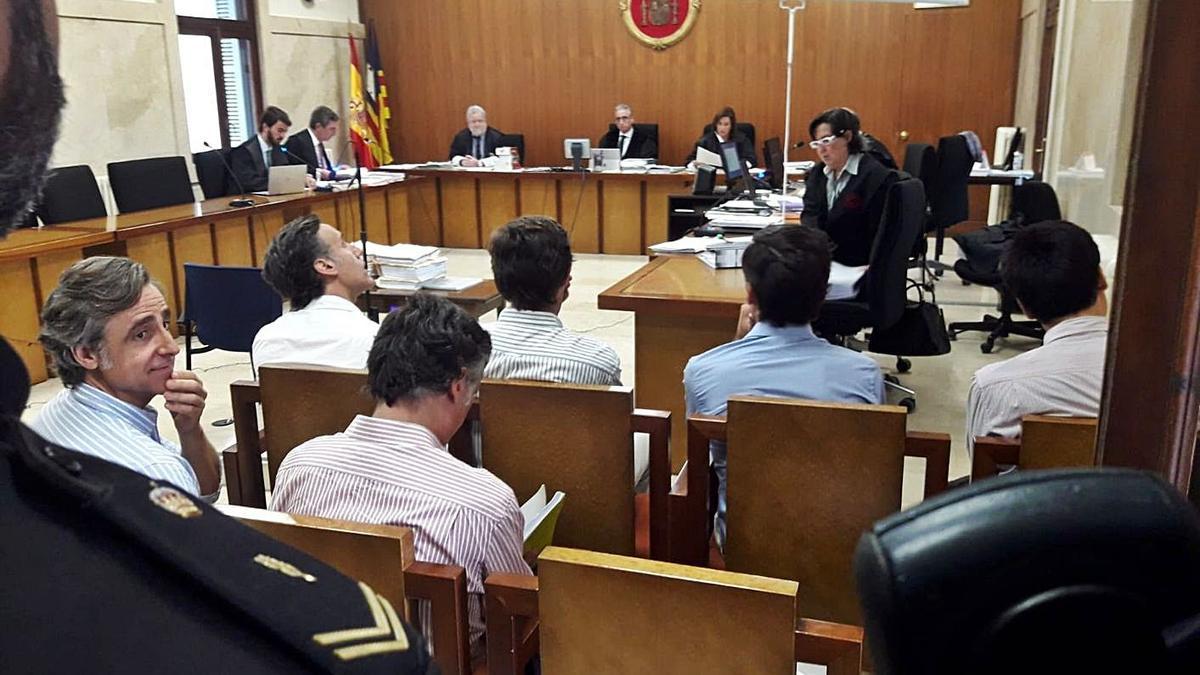 Los hermanos Ruiz Mateos fueron juzgados y condenados por la Audiencia de Palma.