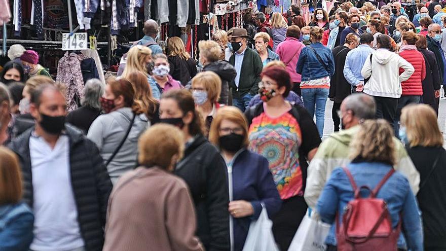 Los mercadillos piden que el 50% de aforo se aplique al público y no a los puestos