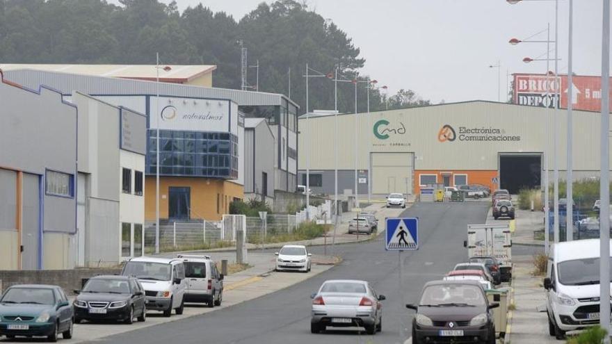 Un trabajador muere atropellado por un camión de obra en Fene