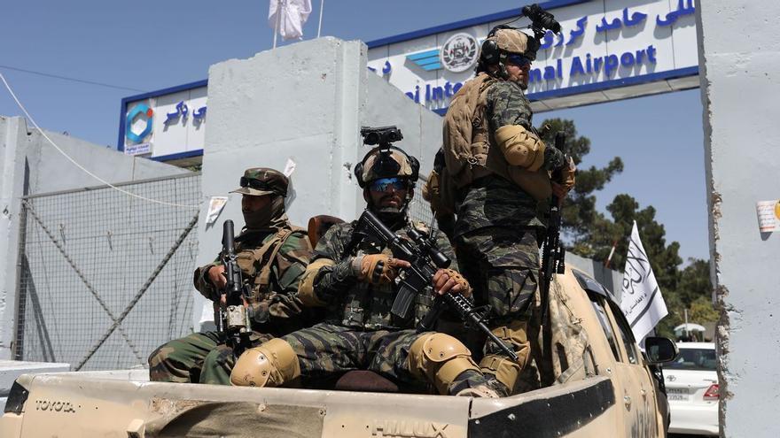 Desgobierno en Afganistán un mes después de la toma talibán de Kabul