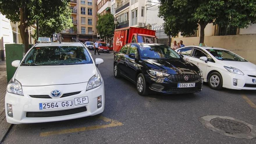 Los taxistas exigen medidas