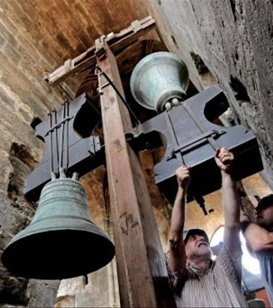 Los toques manuales de campanas: la más alta música comunitaria