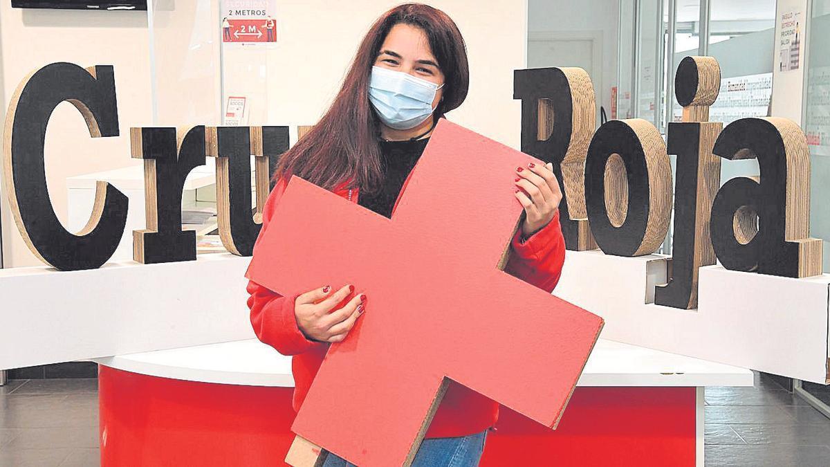 Raquel Sanduende, en la sede de Cruz Roja
