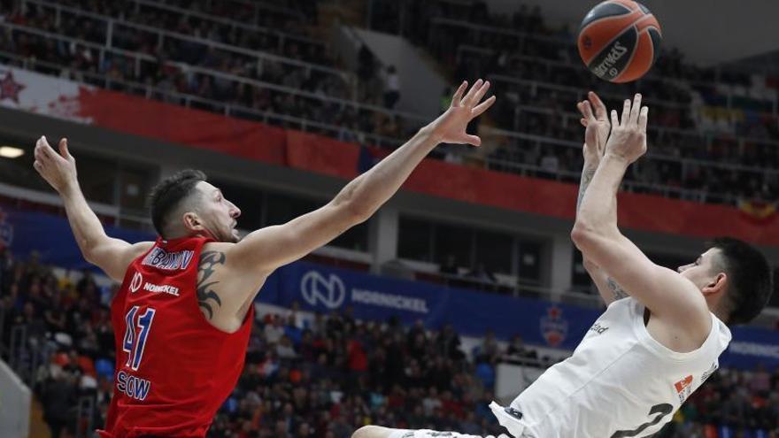 El Madrid no puede con la maldición y cae ante el CSKA de Moscú