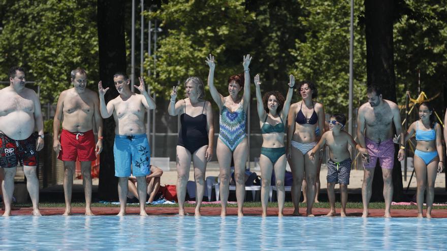 La piscina de la Devesa es mulla per l'esclerosi