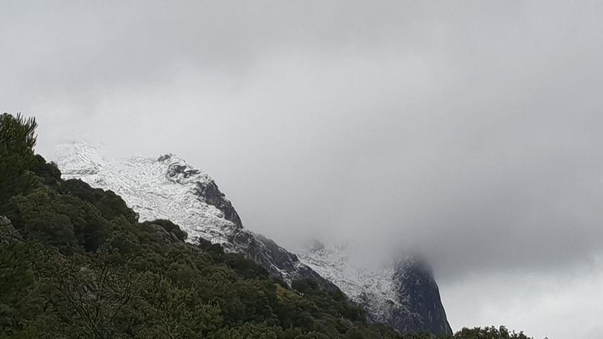 Nieva por encima de los 850 metros en la Serra de Tramuntana