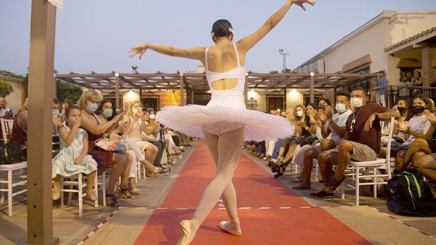 Éxito de público del evento 'Fashionista', con artistas y diseñadores malagueños