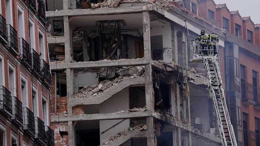 Una explosión de gas, posible causa del derrumbe del edificio de Madrid