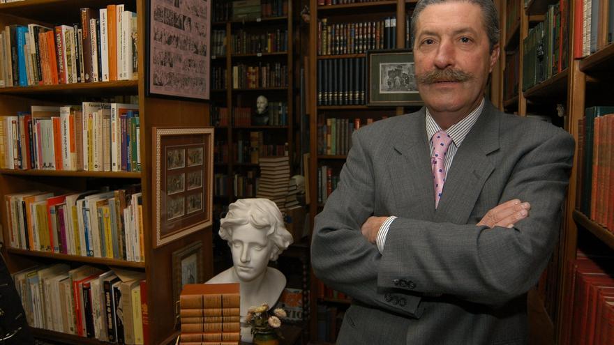 Fallece Tino Vetusta, el último librero de viejo de Gijón