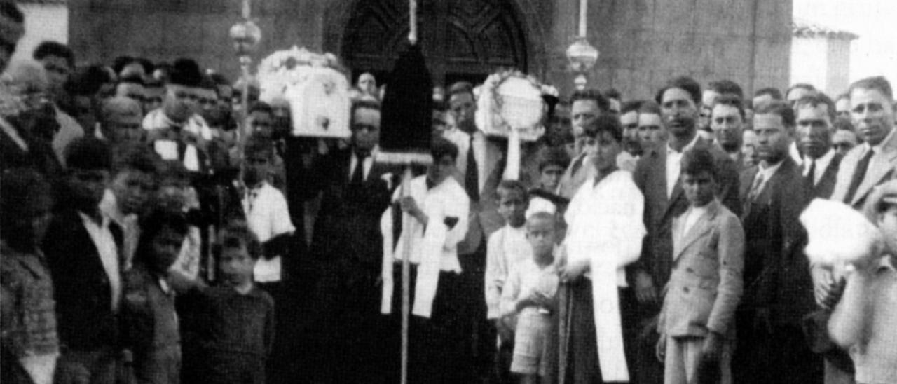 Entierro de los hermanos Ramos León, el lunes 13 de enero de 1936, en La Aldea de San Nicolás.