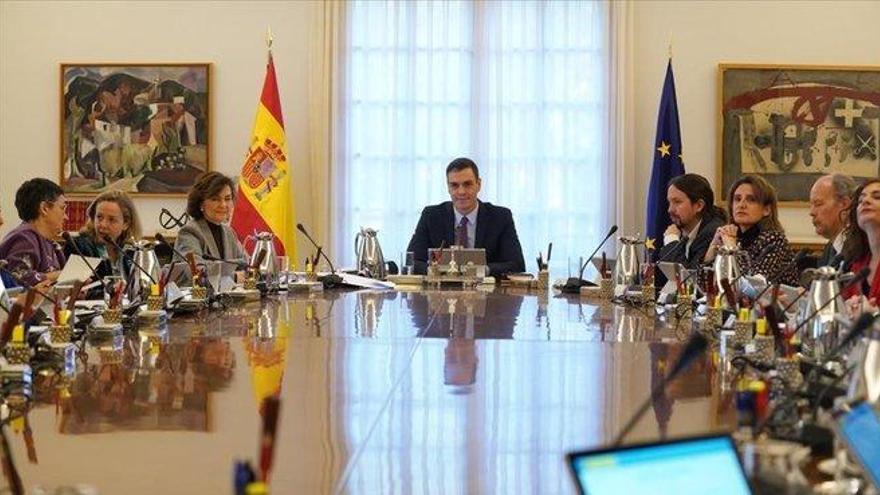 Los salarios del nuevo gobierno suben el gasto en más de 400.000 euros