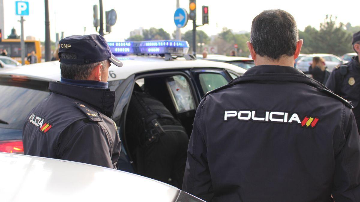 Agentes de la Policía Nacional en otra intervención.
