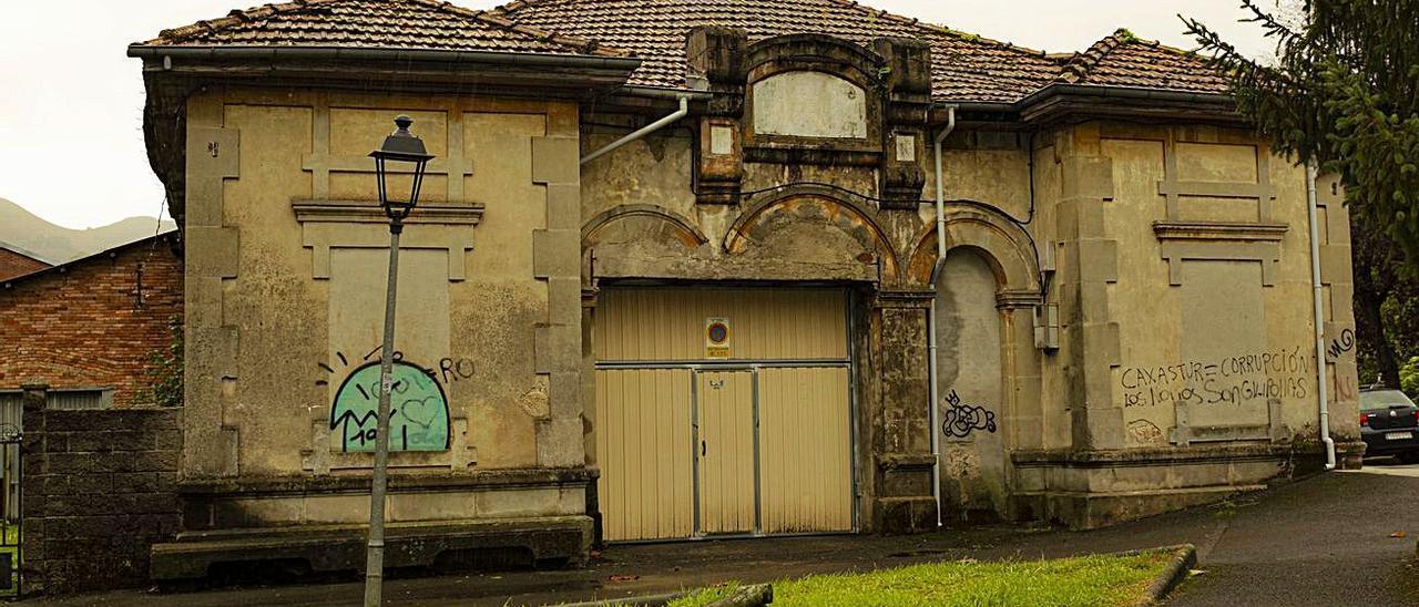 Sede de La Benéfica, en Infiesto.