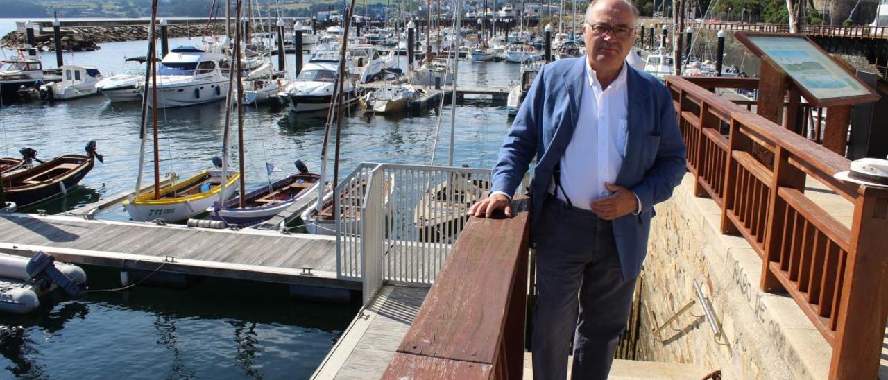 Juan Calvo-Sotelo, ayer, en el puerto deportivo de Ribadeo.