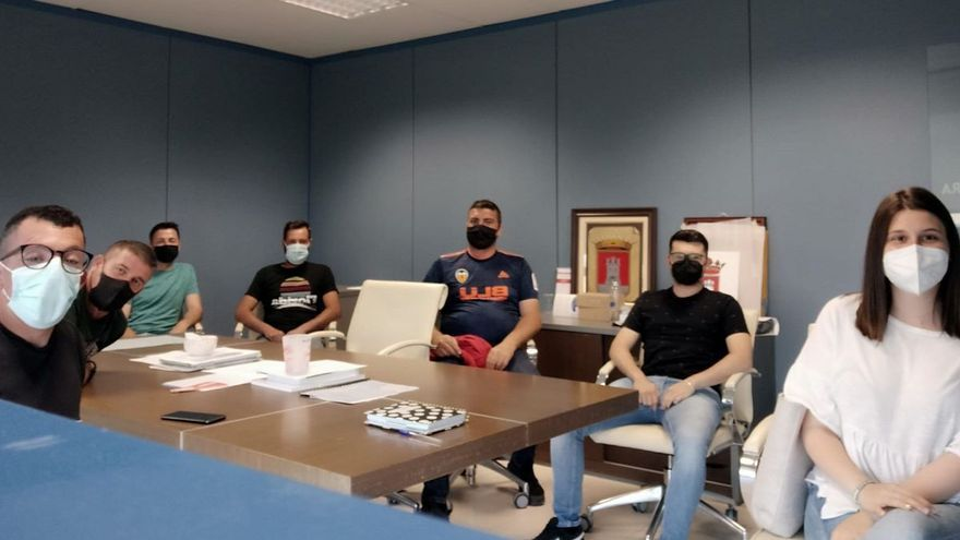 Almenara se suma a los municipios que autorizan la reunión de las peñas en fiestas