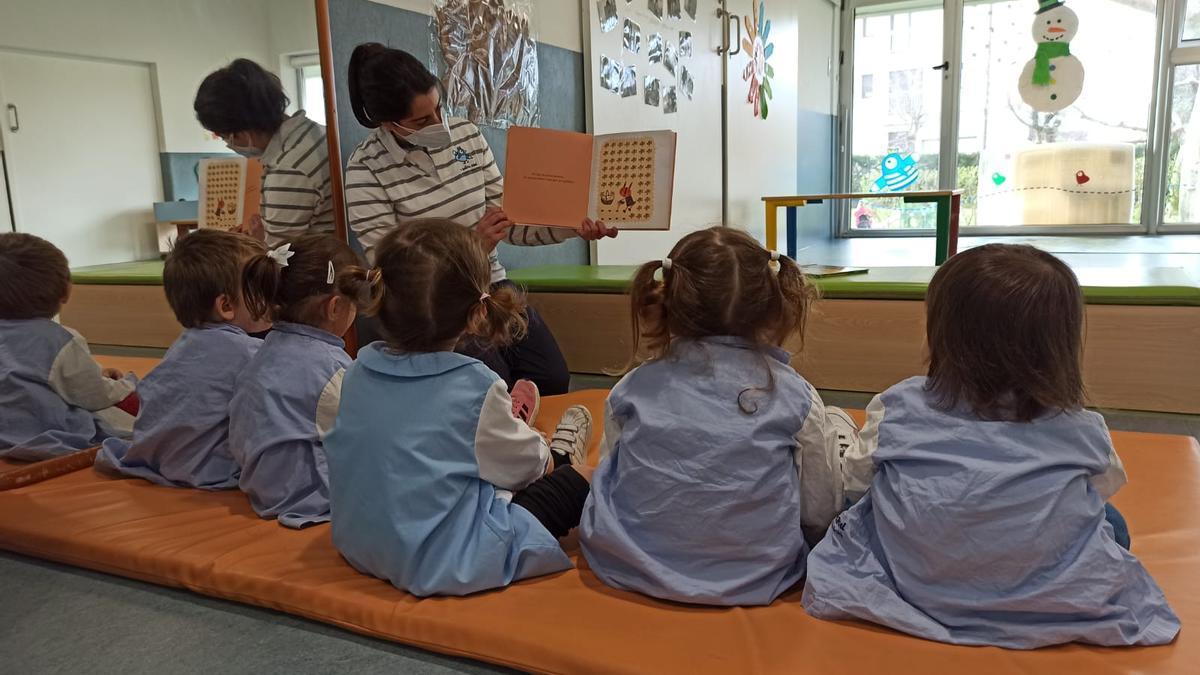 Niños en una guardería de O Grove.