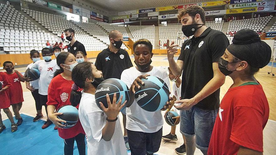 Jornades BD Mindset Program  El Girona porta l'anglès a les escoles