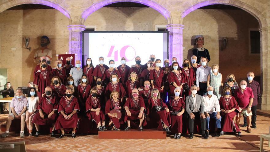 Ollers celebra en Alaquàs 40 anys de 'filà' i participació